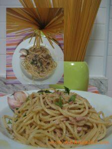 Espaguetis ali-olio-tono