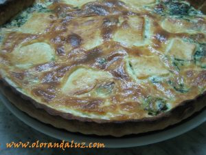 quiche de espinacas, queso y baicon