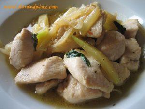 pollo con calabacin y cebolleta al aroma de albahaca I