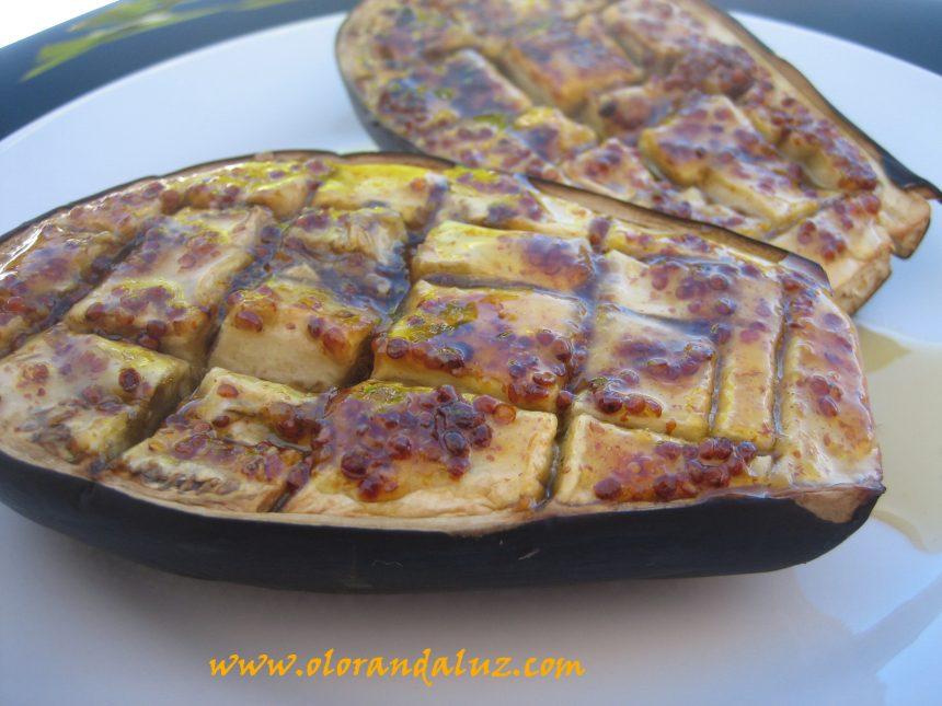 Berenjenas asadas con miel y mostaza