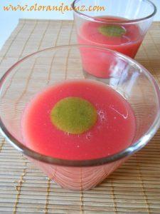 sopa-fría-sandía-tomate-aceite-albahaca