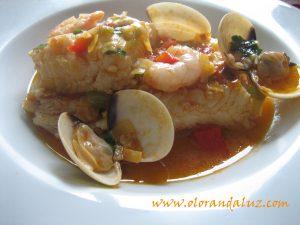 pescada-o-merluza-con-almejas-y-gambas