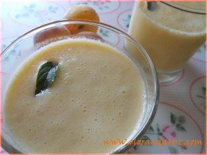 Smoothie o batido de melon y melocoton