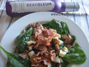 ensalada-de-espinacas-bacon-datiles-nueces