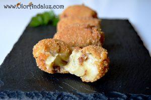 croquetas-queso-azul-pasas