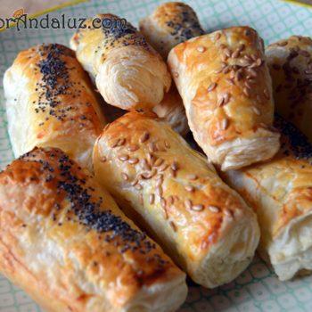 Mini-napolitanas de pimientos caramelizados y queso de cabra
